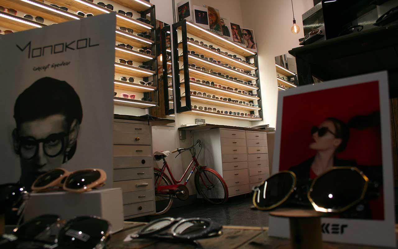 Otticaolimpiastore.it vendita online di occhiali a prezzi scontati di marca, occhiali vista, occhiali sole, occhiali sport,  Armani, Oakley, Ray Ban, Gucci... Valentino,Dior, Prada,Tom Ford, Cavalli, Persol,Ferrari